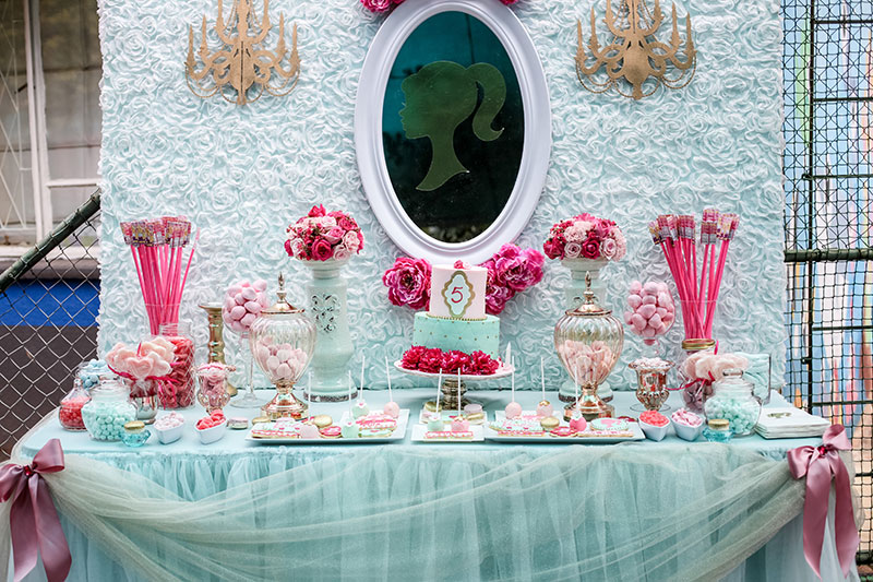 robyndaviephotography-tamyrin-barbie-party-32